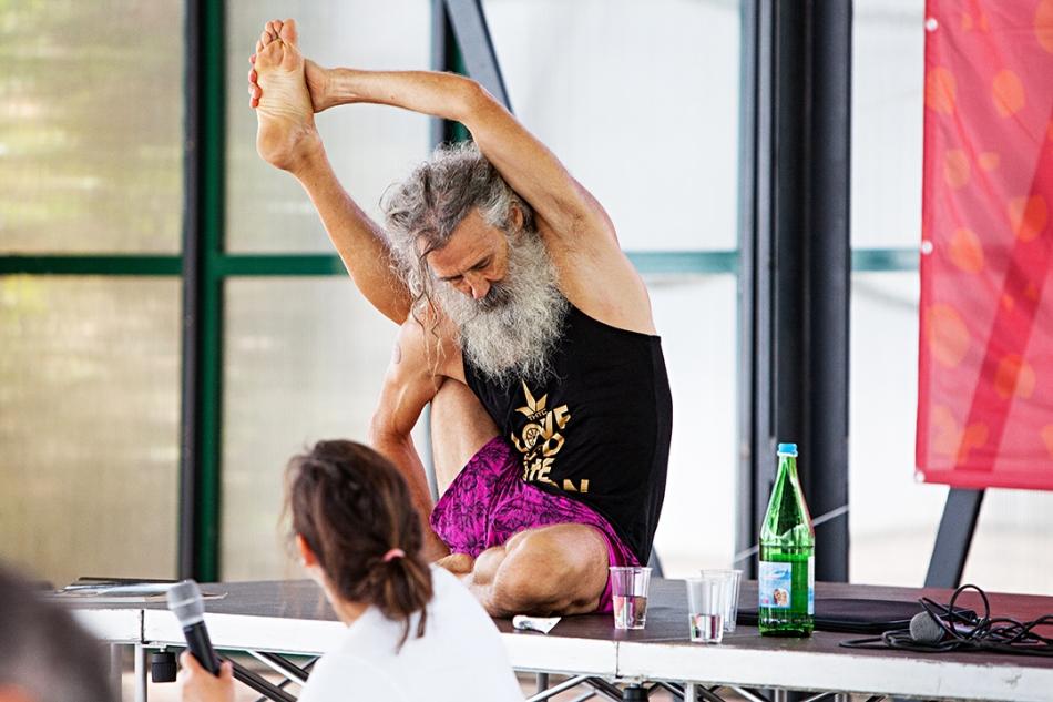 stewart-gilchrist-yoga