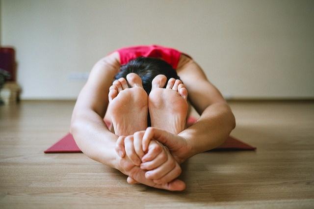 posizioni-natale-yoga